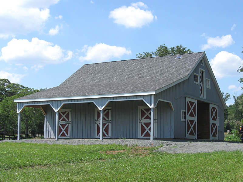 Lean to roof horse barn overhang for House horse barn plans